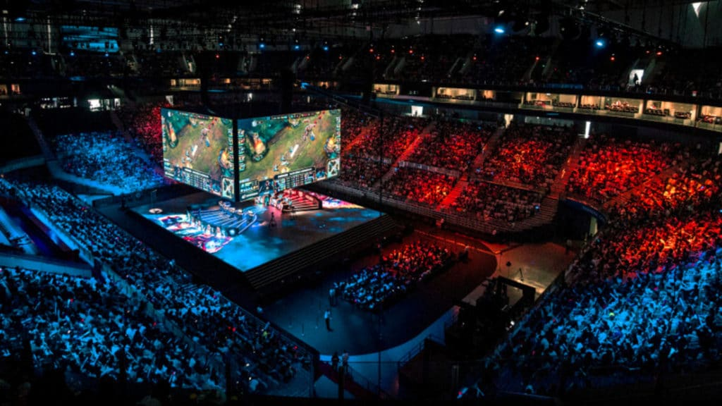 eSports Tournaments with a lot of people.