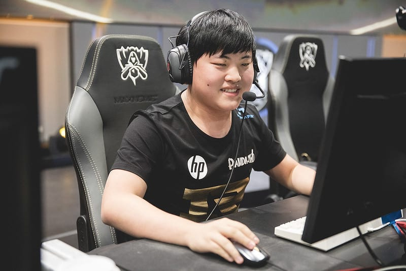 A Young Uzi playing at the WOrld Stage