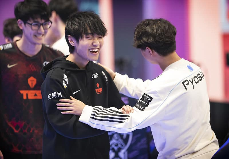 TES Knight happily meeting DRX Pyosik